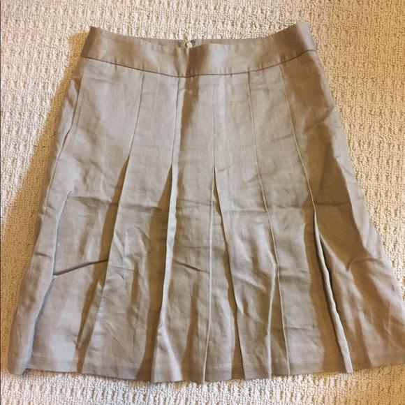 Banana Republic Dresses & Skirts - Banana Republic pleated skirt